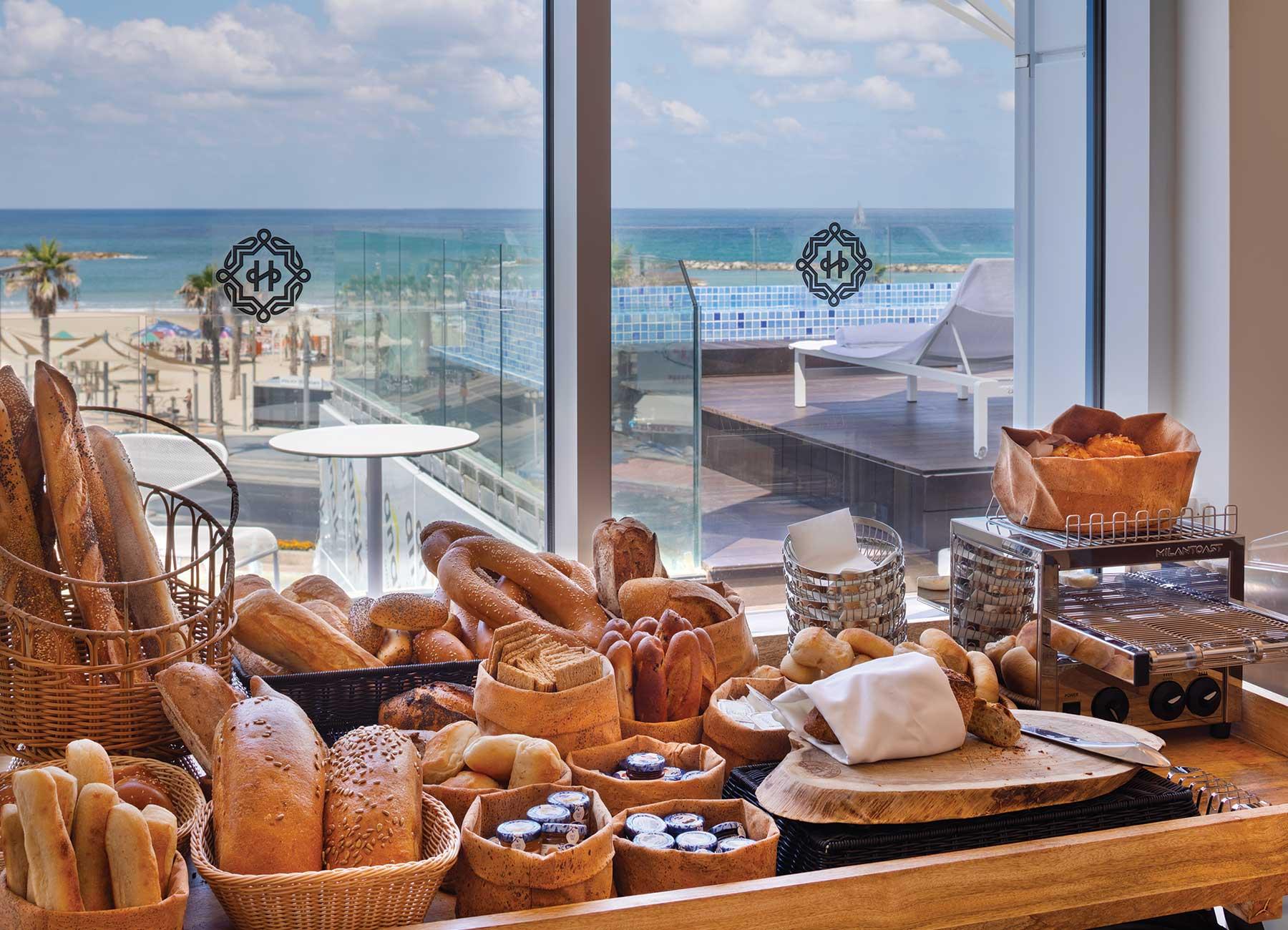 חדר אוכל במלון אופרה הרברט סמואל תל אביב