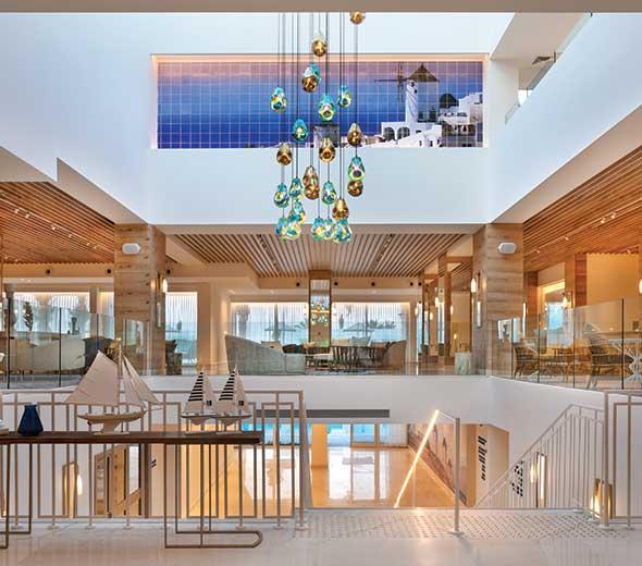 לובי במלון מילוס ים המלח
