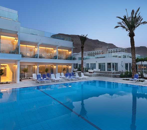 בריכה במלון מילוס ים המלח