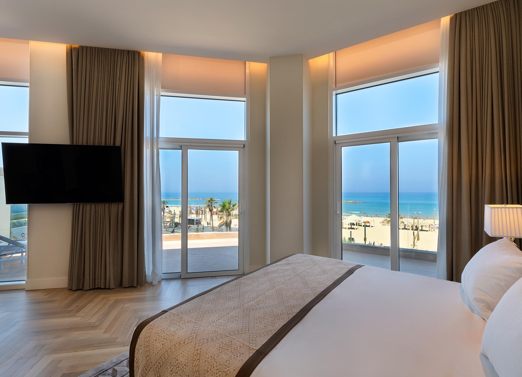 חדר עם נוף לים במלון אופרה הרברט סמואל תל אביב