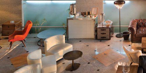 פינת קפה ותה במלון הרברט סמואל אוקיינוס סוויטס הרצליה