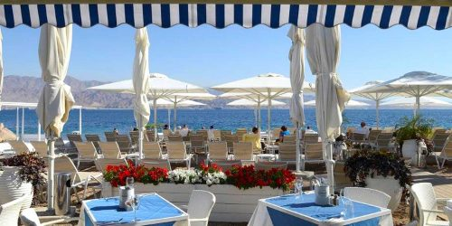 מסעדת החוף במלון הרברט סמואל הריף אילת